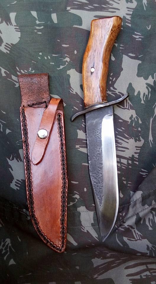 dos cuchillos que van saliendo 1710