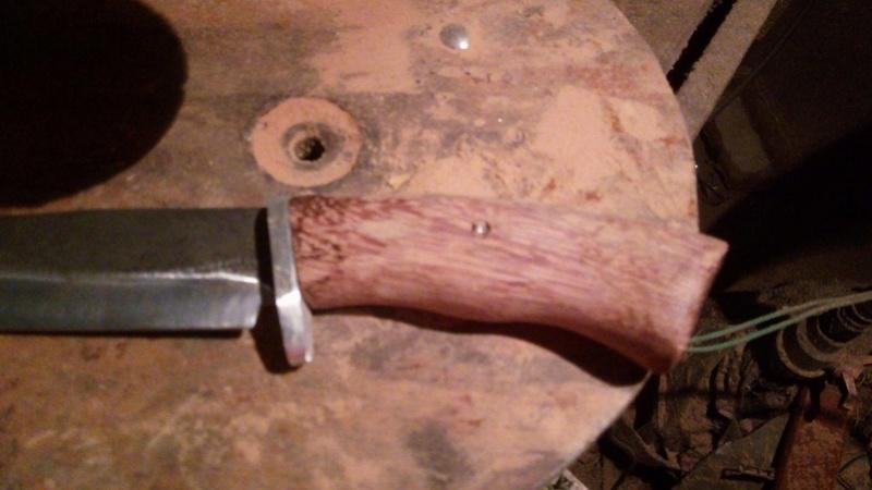 dos cuchillos que van saliendo 311