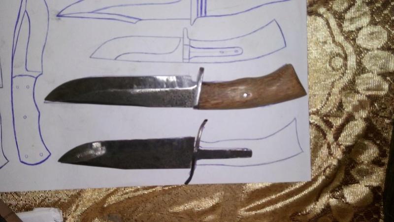 dos cuchillos que van saliendo 412