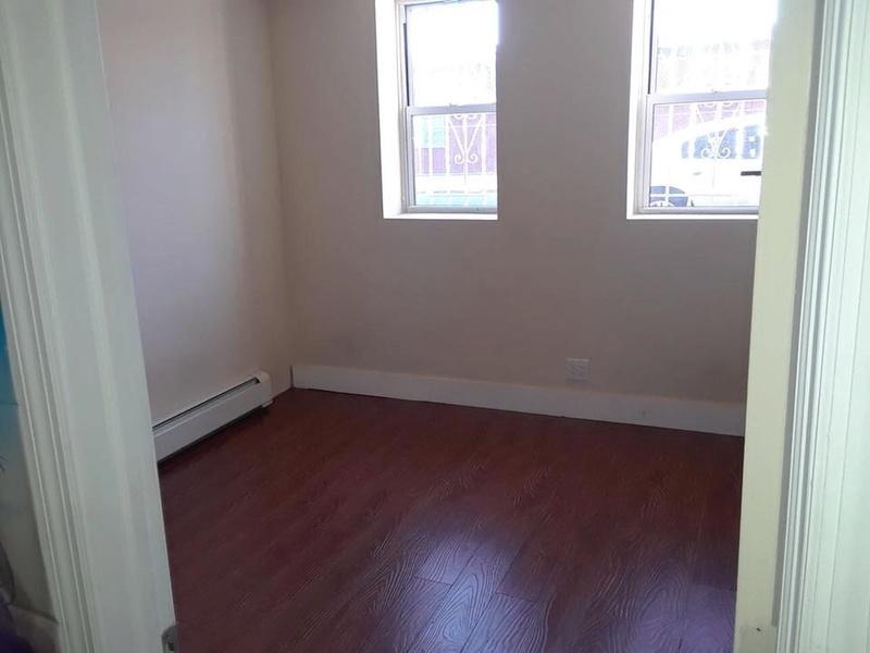 Se renta un cuarto en el Bronx 24058710