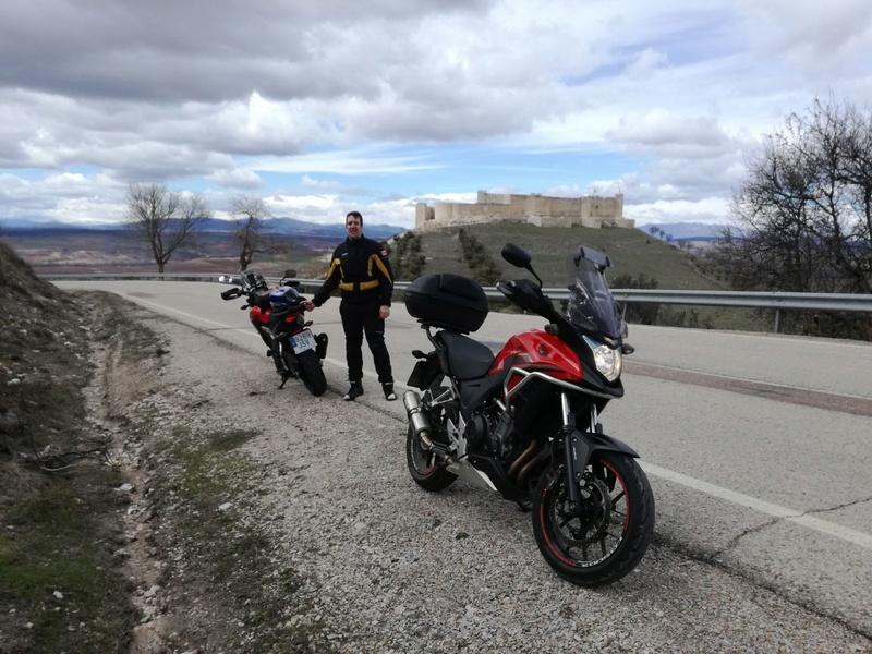 Castillos y motos - Página 6 Img-2012