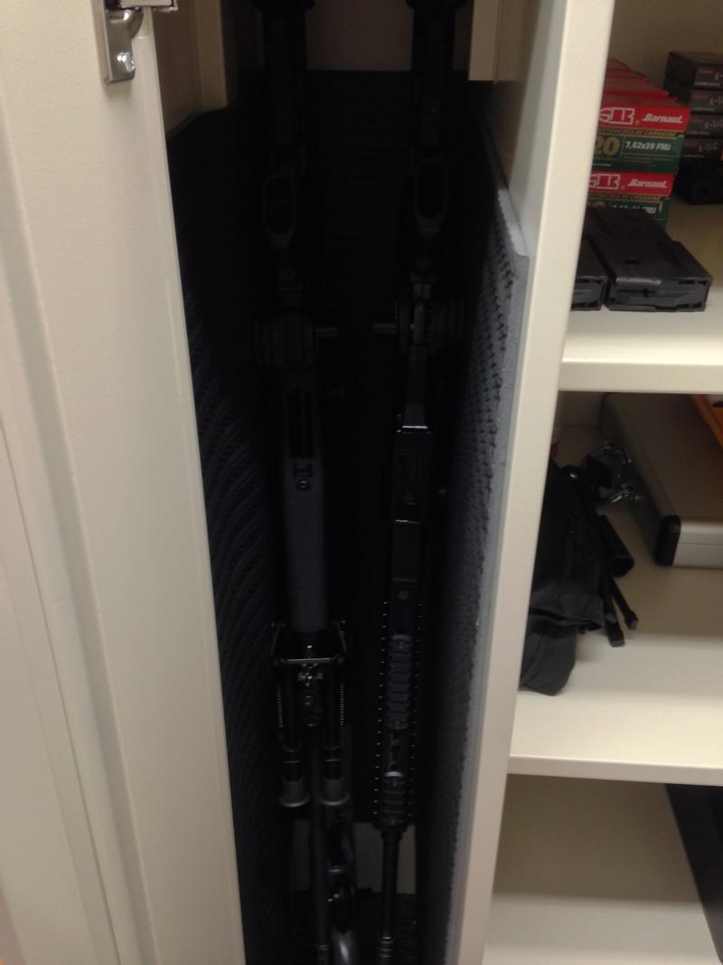 Qu'avez vous comme armoires pour vos armes ? Img_0111