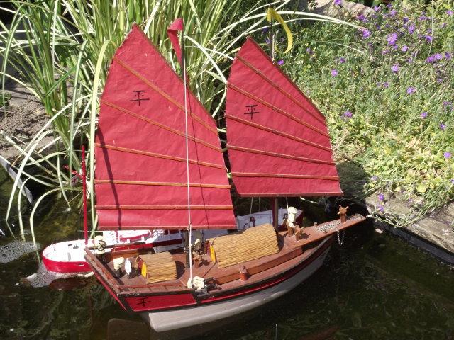 0n the garden pond Dscf8017