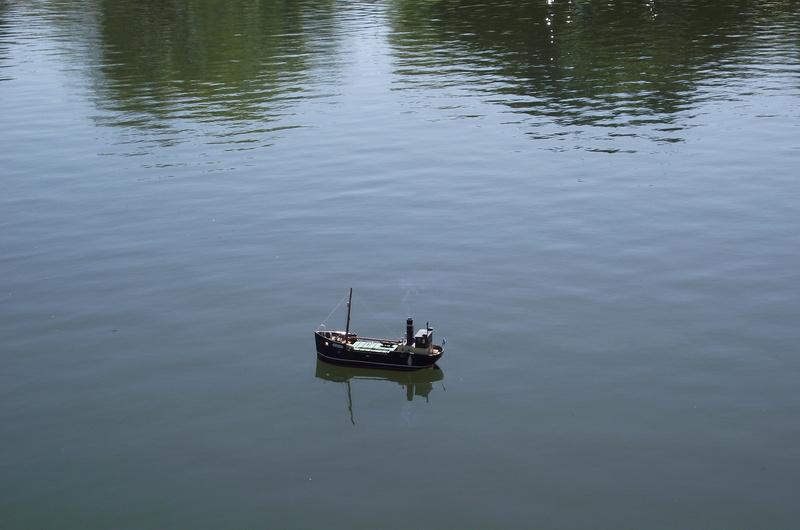 down at the lake Dscf8918