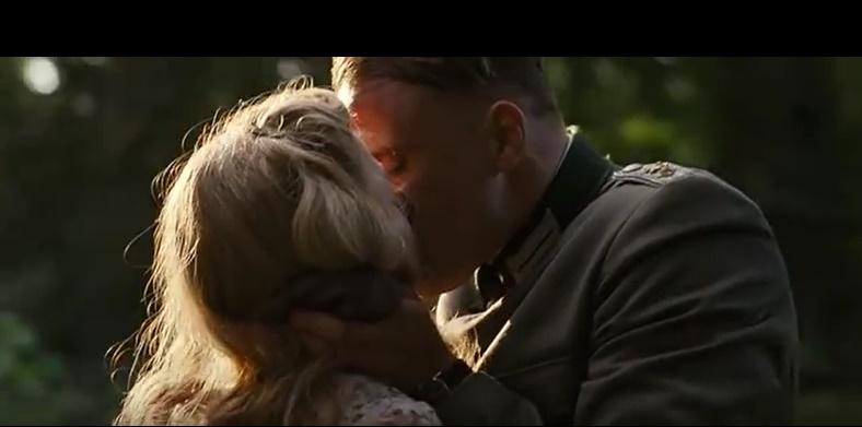 Suite Francesa. Una historia de amor entre un oficial nazi y una joven francesa Sin_ty10