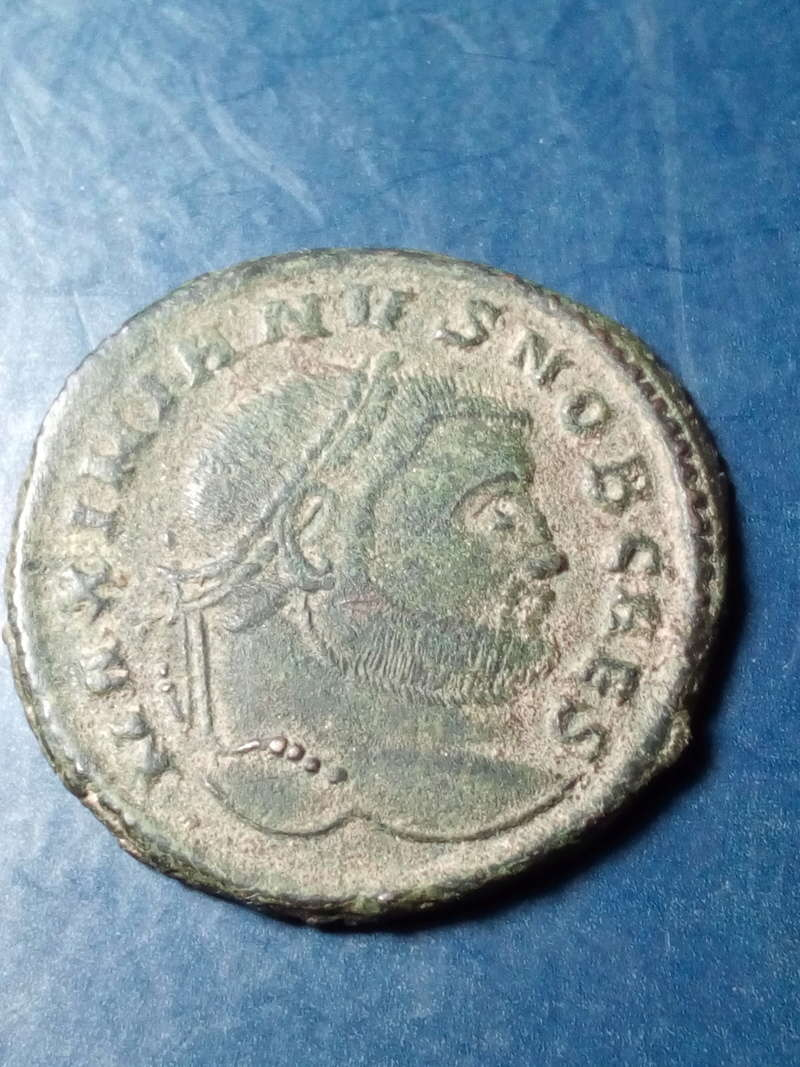 Nummus de Galerio Maximiano. SACRA MONET AVGG ET CAESS NOSTR. siscia Img_2014
