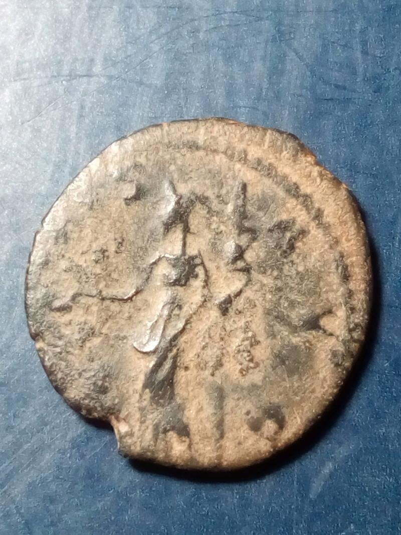 Antoniniano de Victorino. SALVS AVG. Trier Img_2072