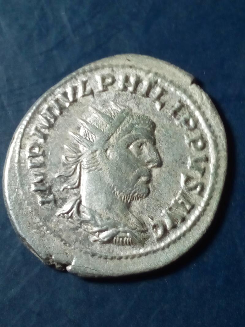 Antoniniano de Filipo I. ROMAE AETERNAE. Roma sedente a izq. Roma. Img_2093