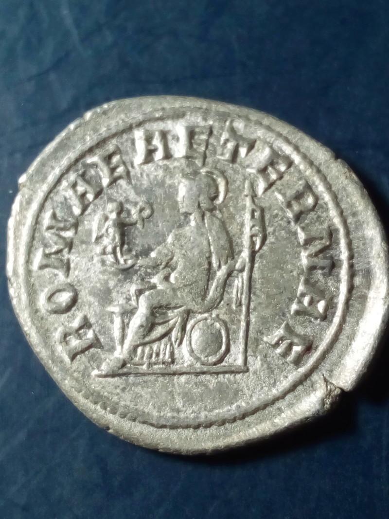 Antoniniano de Filipo I. ROMAE AETERNAE. Roma sedente a izq. Roma. Img_2094