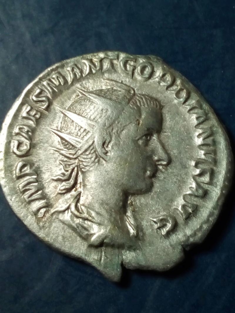 Antoniniano de Gordiano III.  P M TR P II COS P P. Victoria, ceca de Roma. Img_2101