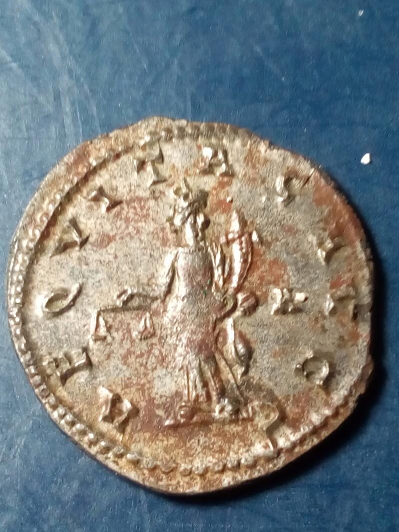 Aureliano de Carino. AEQVITAS AVG. Aequitas estante a izq. Lyon. Img_2116