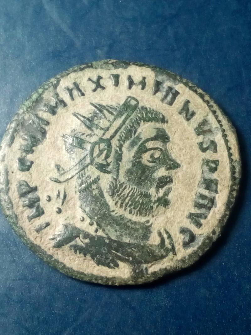 Radiado post-reforma de Maximiano Hércules. CONCORDIA MILITVM. Emperador y Júpiter. Cycico Img_2161