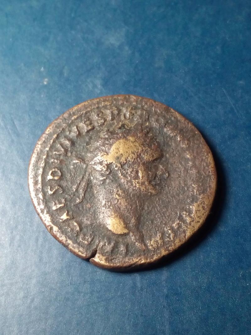 As de Domiciano. TR P COS VIII DES VIIII P P - S C. Minerva estante a izq. Roma. Img_2187
