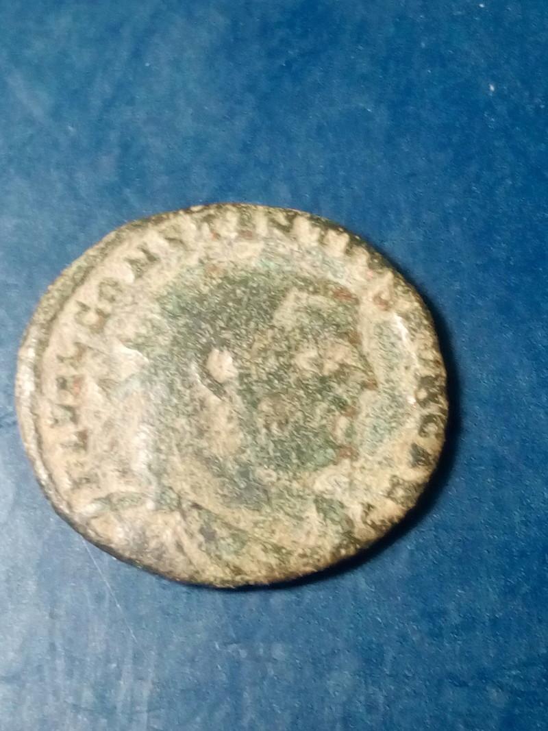 Radiado post-reforma de Constancio I Cloro. CONCORDIA MIL-ITVM. Emperador y Júpiter. Alexandria Img_2214