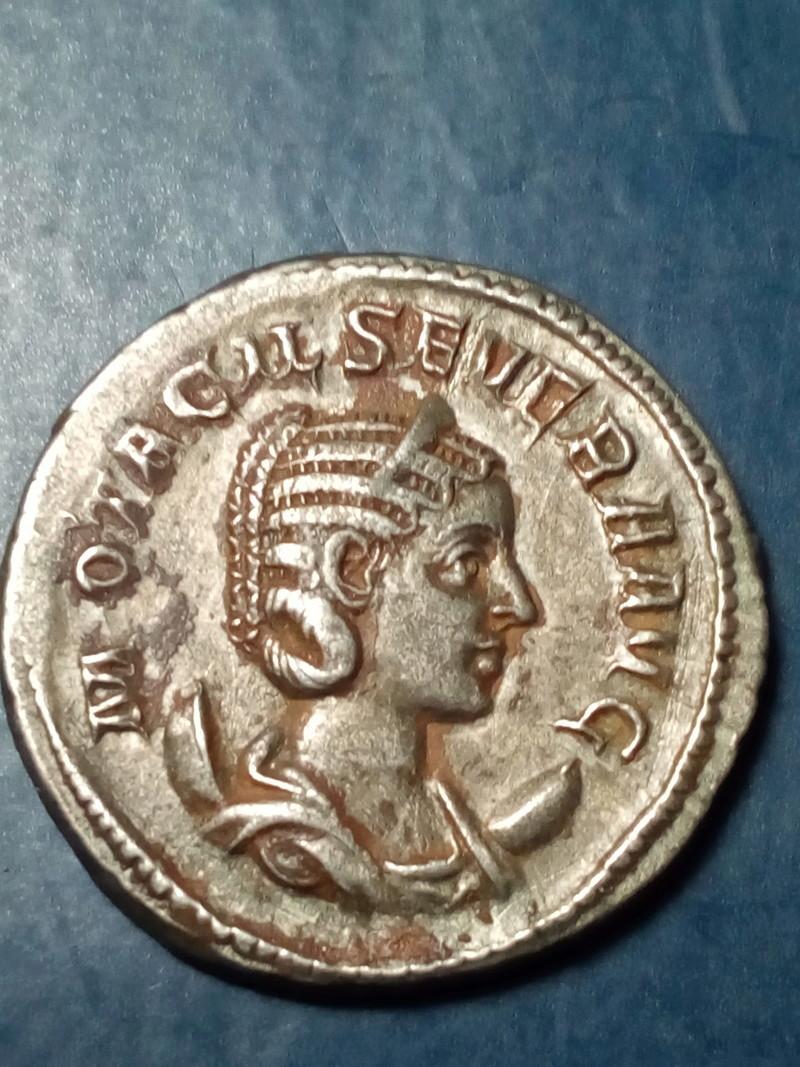 Antoniniano de Otacilia Severa. CONCORDIA AVGG. Concordia sentada a izq. Roma Img_2235