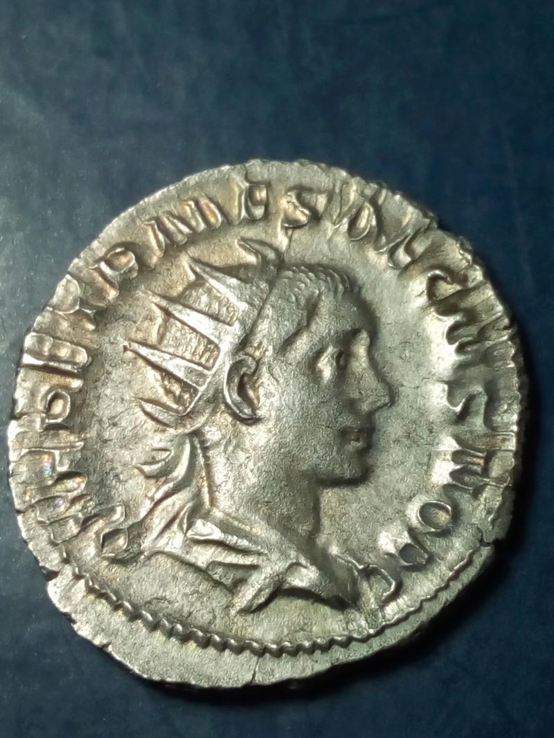 Antoniniano de Herennio Etrusco. PRINCIPI IVVENTVTIS. César a izq. Roma Img_2237