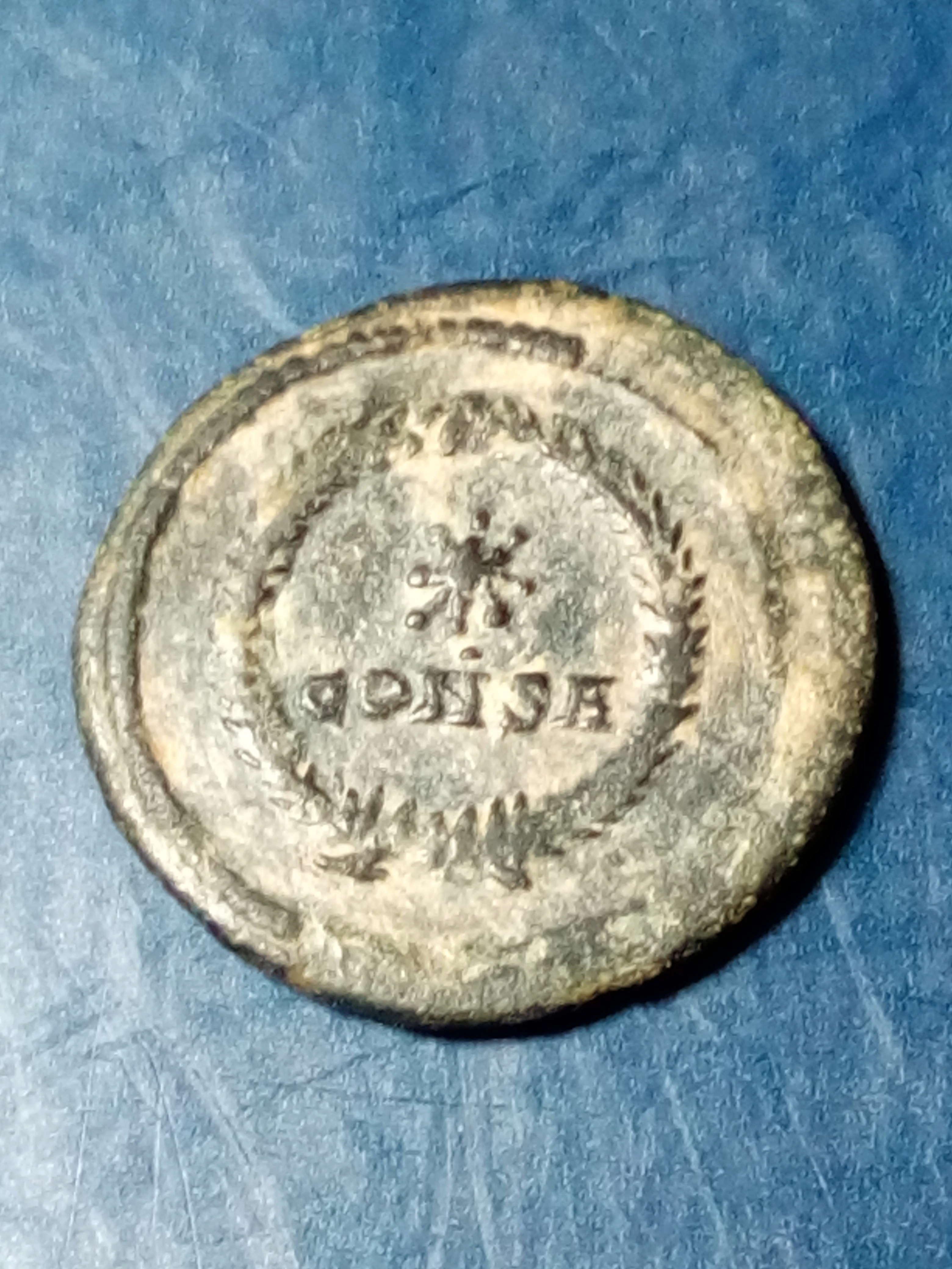 AE4 conmemorativo POP. ROMANVS. estrella dentro de corona. Constantinopla Img_2280