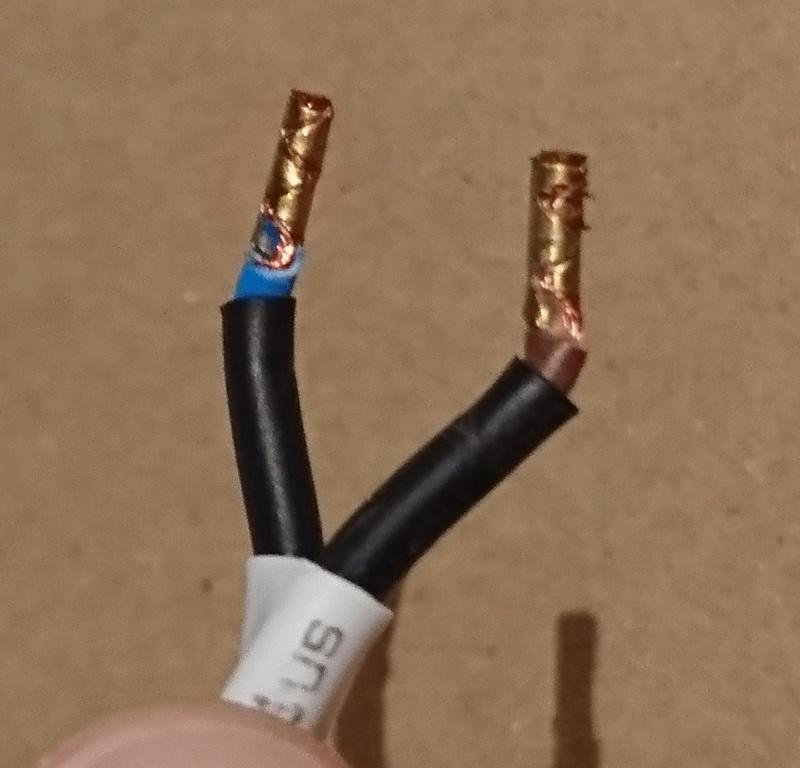 Genre de cosse sur fil électrique Dsc_5310
