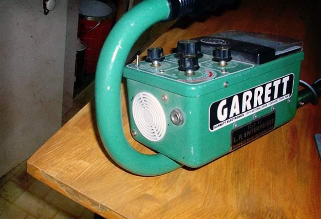 Cambio capacitores detectores antiguos Old-me12
