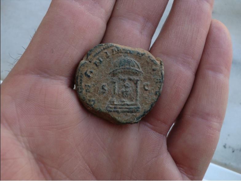 Sestercio de Treboniano Galo. IVNONI MARTIALI /S C. Templo Sester10
