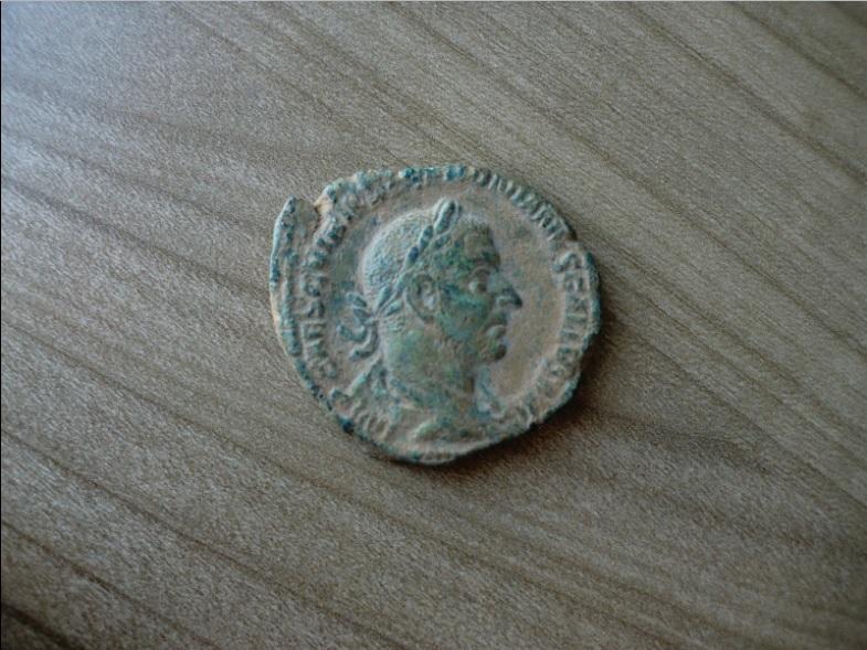 Sestercio de Treboniano Galo. IVNONI MARTIALI /S C. Templo Sester11
