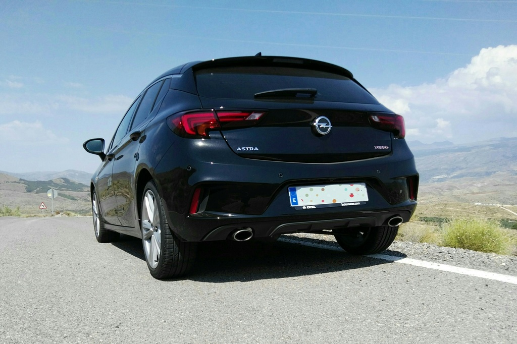 ASTRA 1.6 T 200CV. (OPC LINE) Img_2012