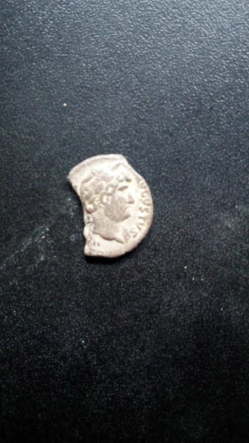 Denario de Adriano. COS III. Creciente con siete estrellas. Img_2040