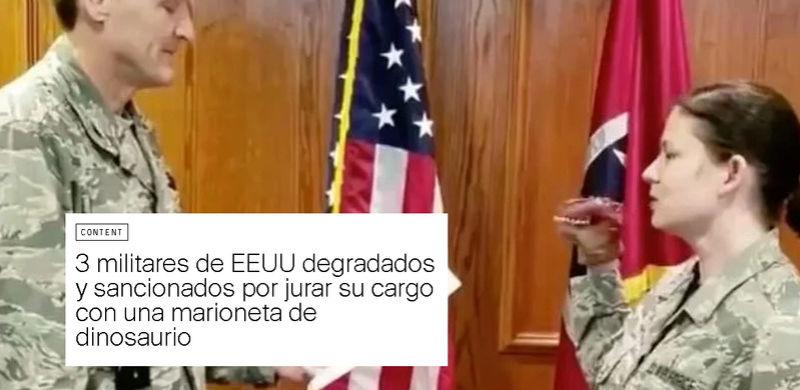 3 militares de EEUU degradados y sancionados por jurar su cargo con una marioneta de dinosaurio Marion10