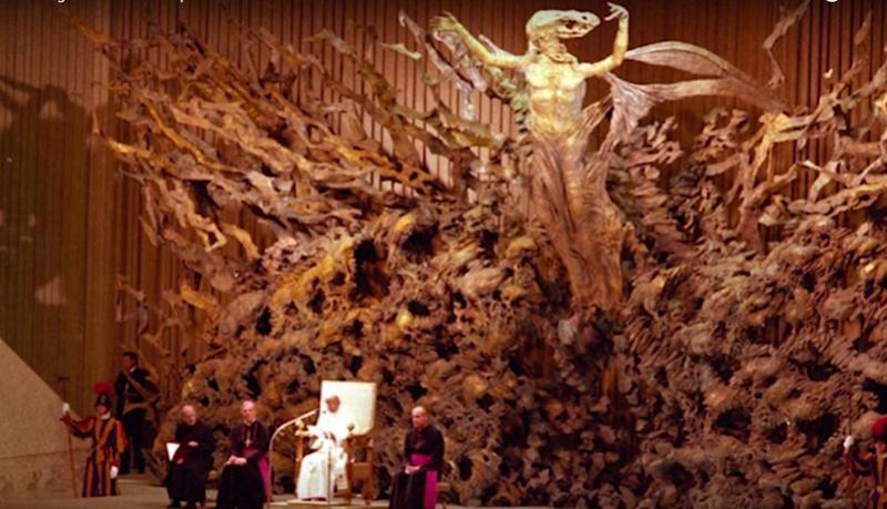 Темные секреты конференц-зала Папы Римского! Screen11