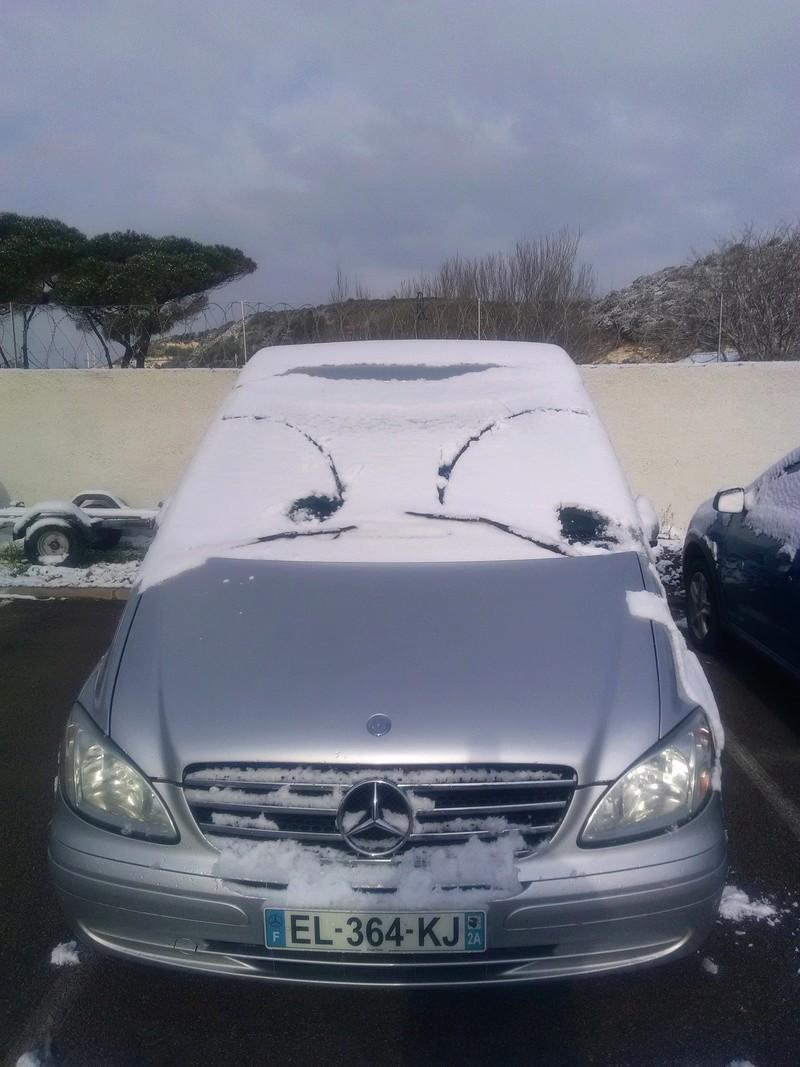 Episode neigeux dans le sud-est Img_2010