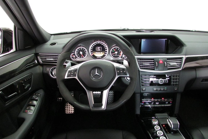 W212 E63 AMG 5.5 biturbo Performance Pack P30 R$ 267.000,00 - VENDIDO Img_3210