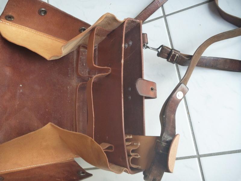 Boite/sacoche suisse P1110017