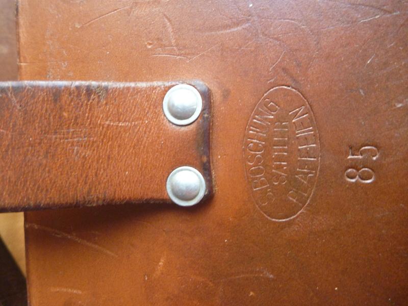 Boite/sacoche suisse P1110018