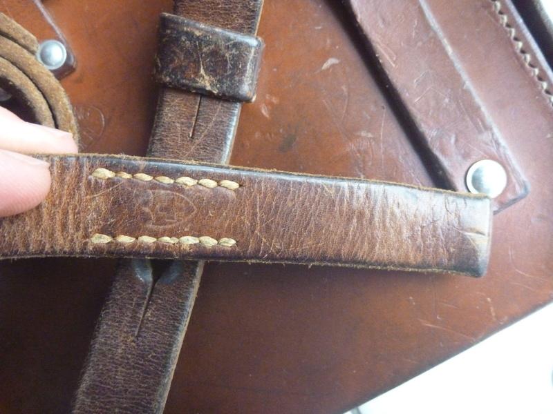 Boite/sacoche suisse P1110023
