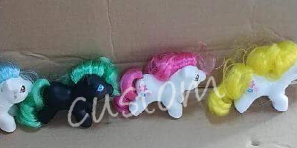 Test ponies and sample merchandise!  UPDATE 5/30 E57f6810