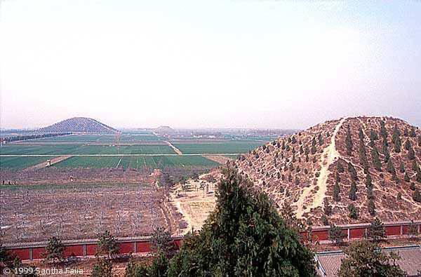 Гигансткие пирамиды Китая 12626710
