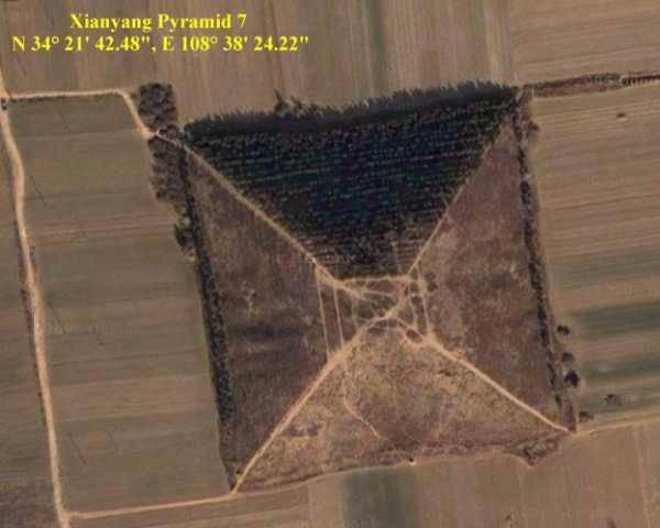 Гигансткие пирамиды Китая 12626812