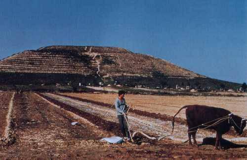 Гигансткие пирамиды Китая 12626814