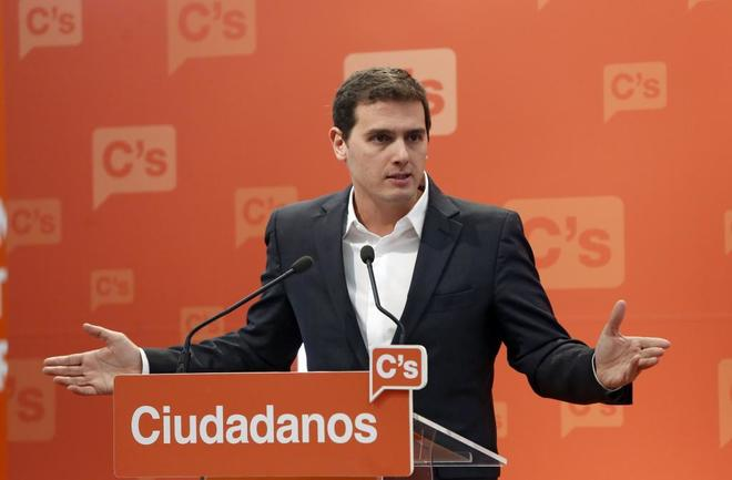 """[C´s] Albert Rivera: """"Nos oponemos al sablazo que Iglesias le ha impuesto a Sánchez."""" 14839910"""