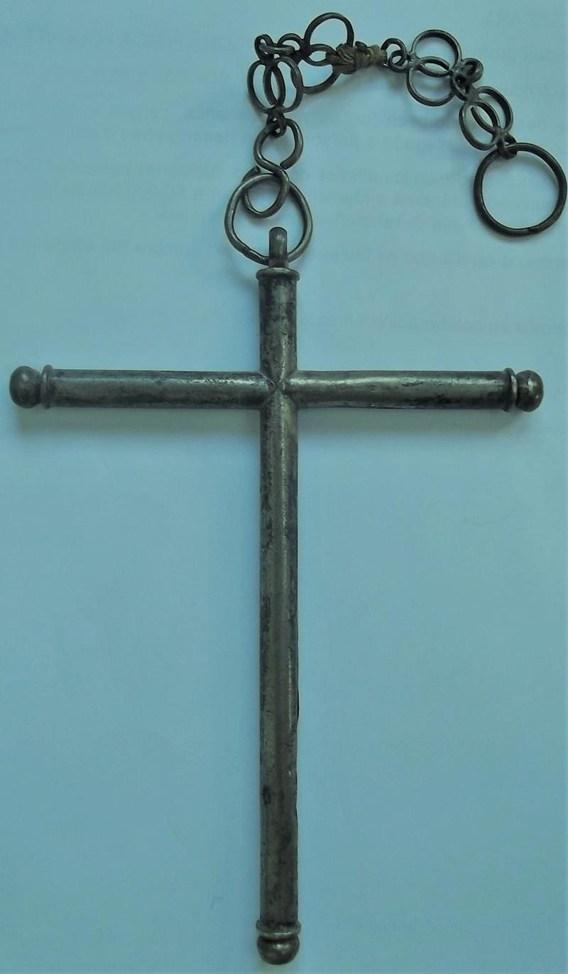 Cruz de plata de sección cilíndrica, S. XVII Dscf5210