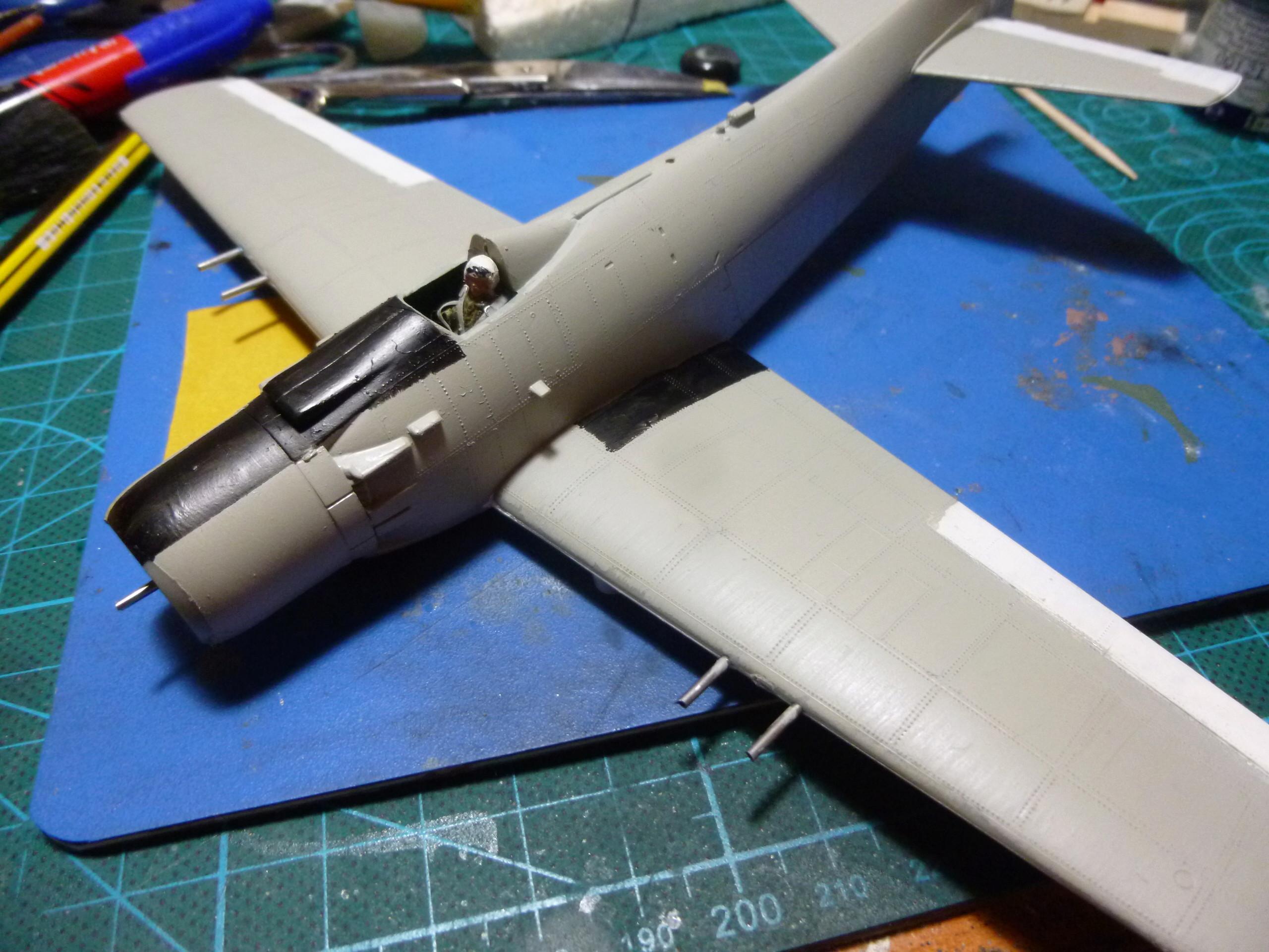 a-1h skyraider  1/72 P1030040