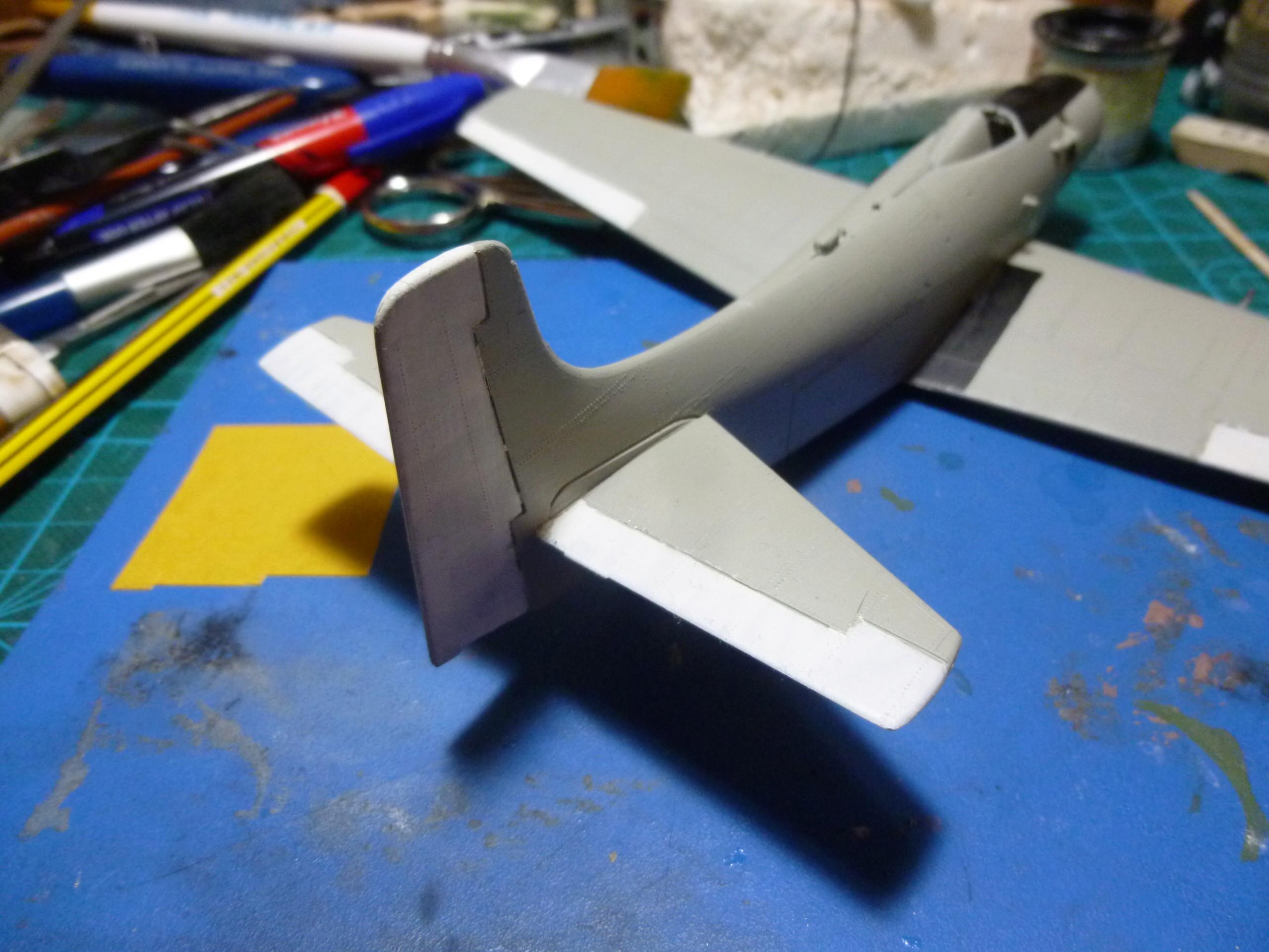 a-1h skyraider  1/72 P1030041