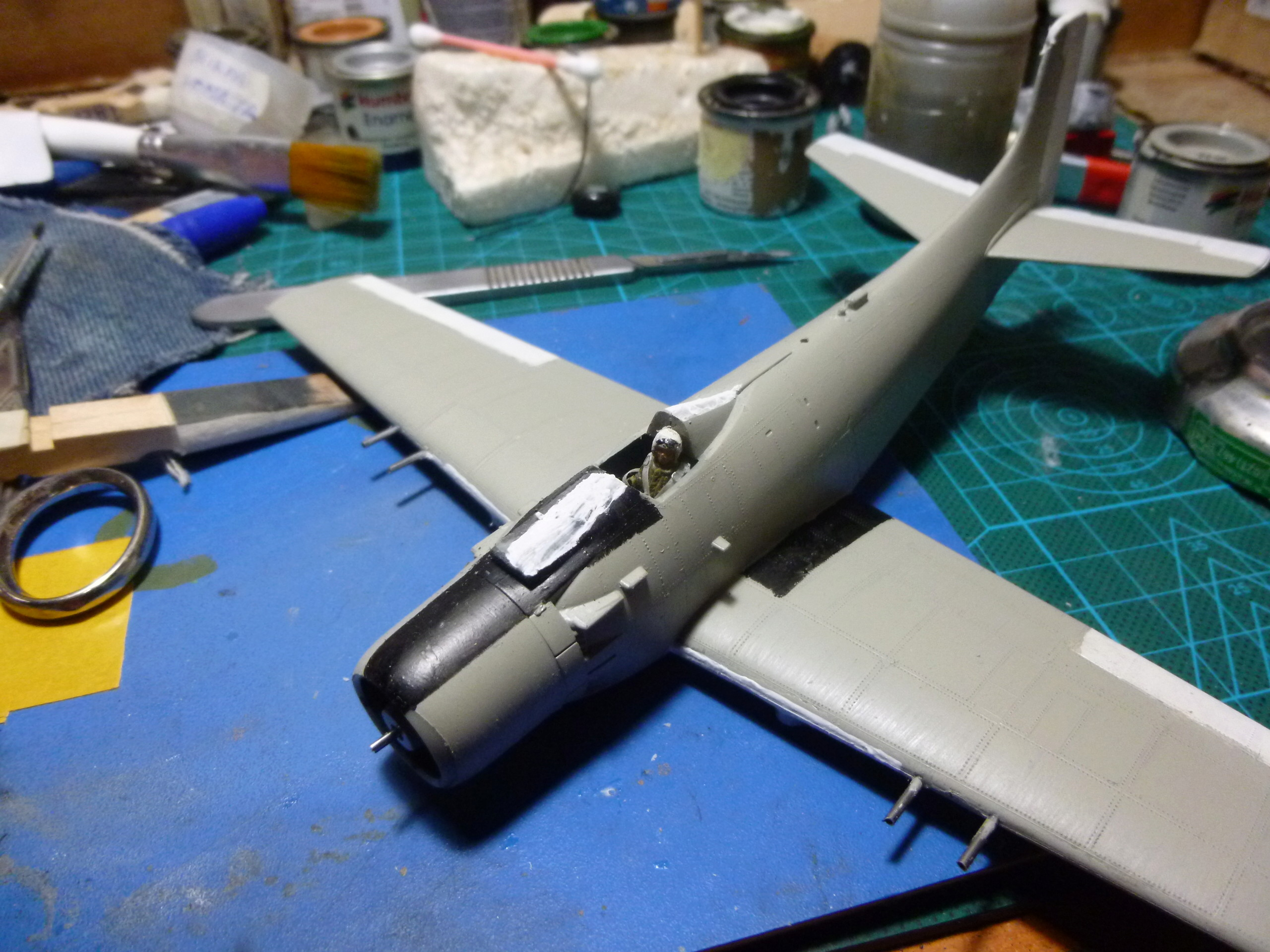 a-1h skyraider  1/72 P1030113
