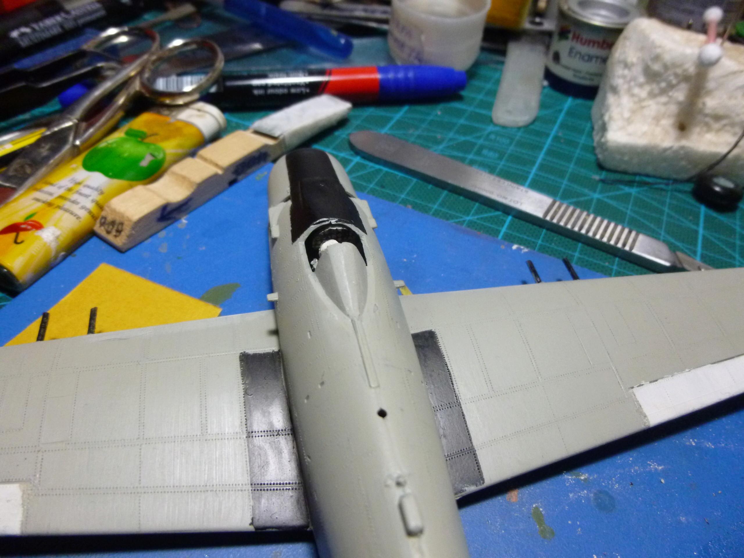 a-1h skyraider  1/72 P1030114