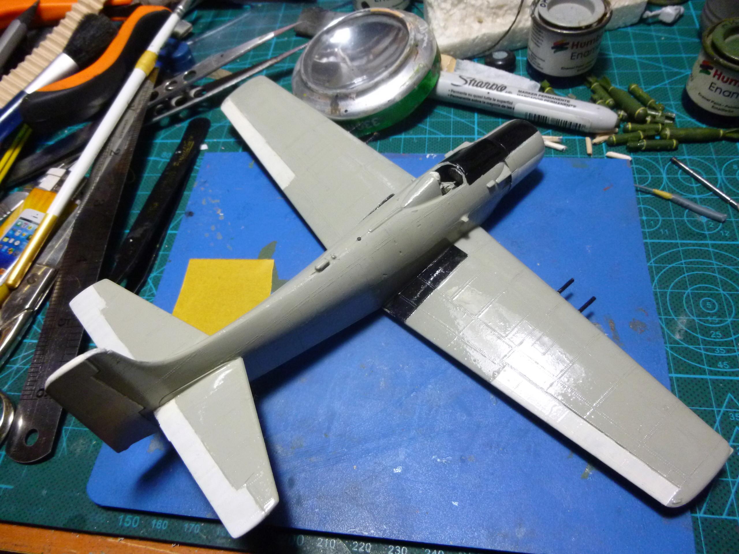 a-1h skyraider  1/72 P1030117