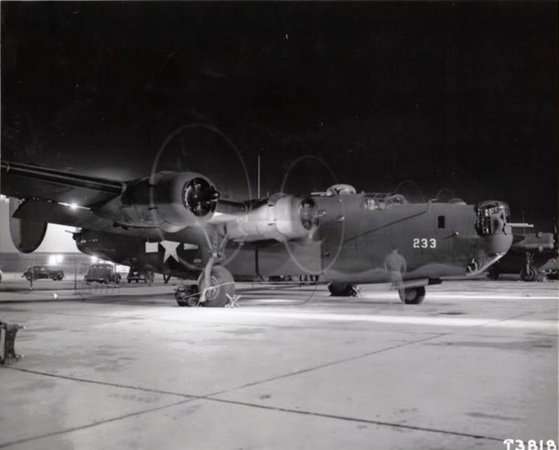 B-24H Liberator 1/72 (Academy) Media-10