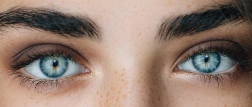 شعر عن العيون الزرقاء 118
