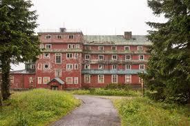 Un bien curieux hôtel Vieil_10