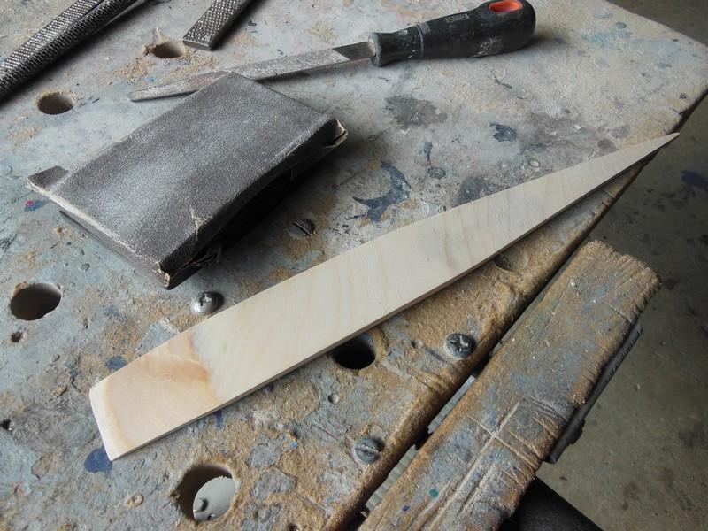 STAMPE SV4c 100% scratch en bois massif sculpté (mais pas que) au 1/15e : signature finale 0817