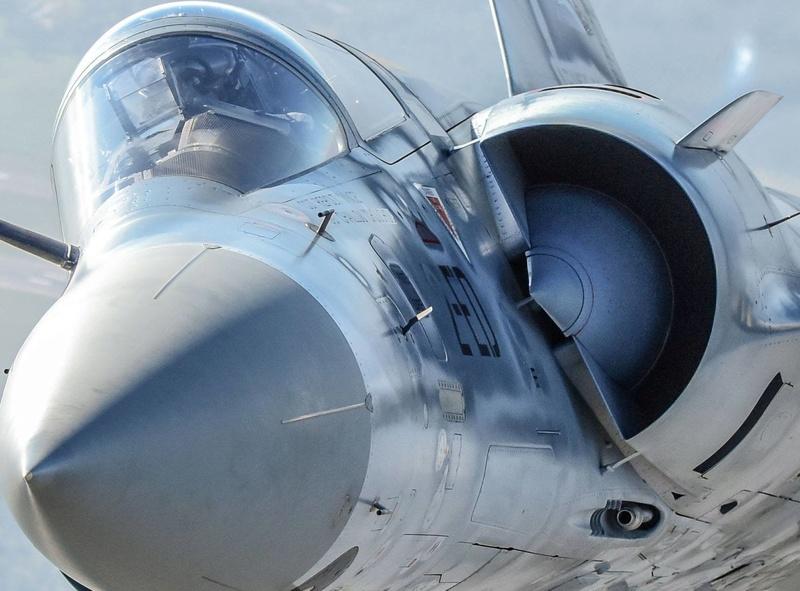 Dassault Mirage 2000 - Page 2 Iwl5hh10